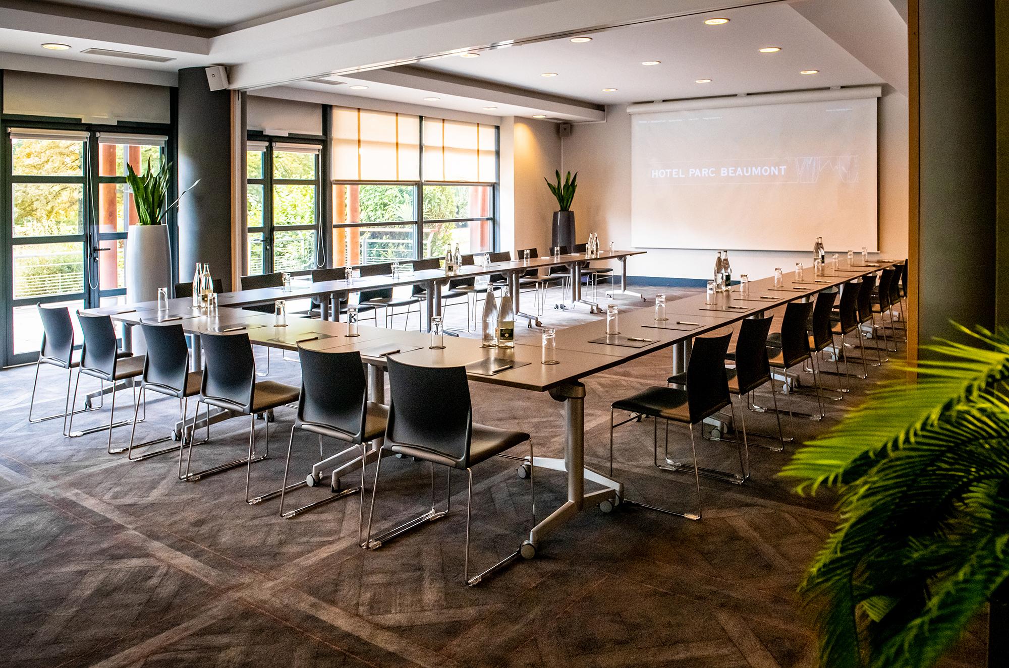 Meeting on the ground floor - Hôtel Parc Beaumont, Pau